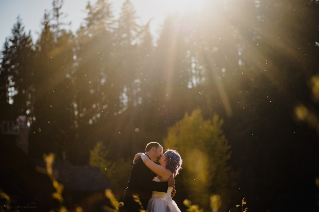 Amanda and Jay's destination wedding in Leavenworth, WA at Mountain Springs Lodge